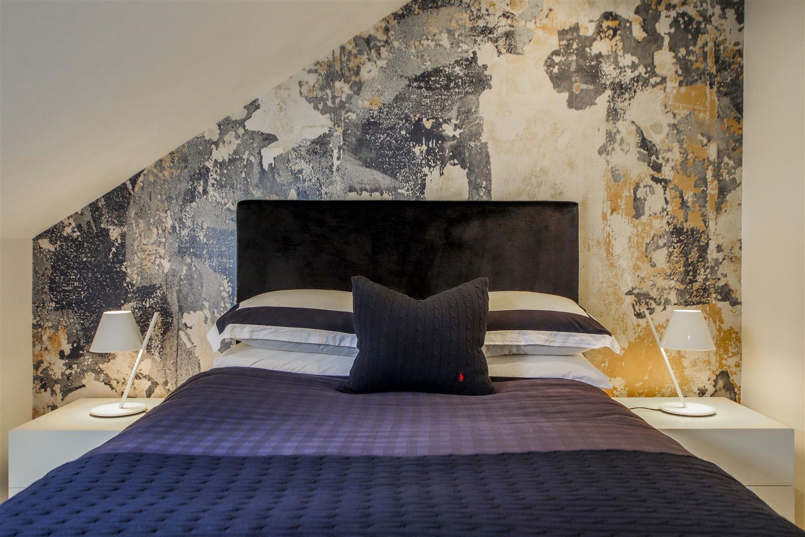 5 Bedroom Semi-detached House For Sale - 26.JPG